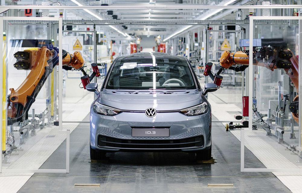 Informații neoficiale: livrările hatchback-ului electric Volkswagen ID.3 ar putea fi amânate din cauza unor probleme de software - Poza 1