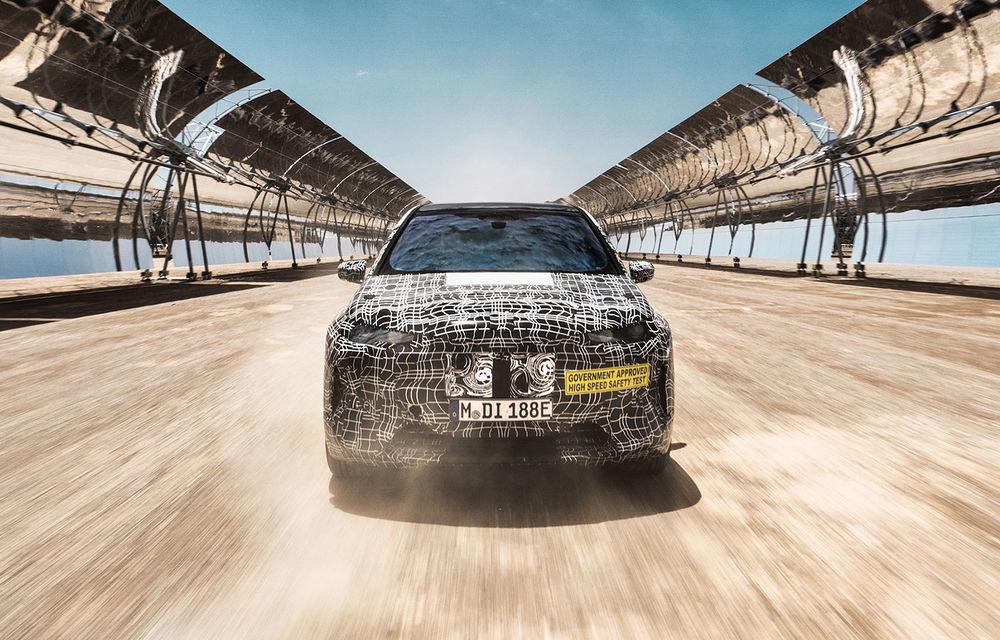 Imagini noi sub camuflaj cu viitorul BMW iNext: SUV-ul electric este testat în deșertul Kalahari - Poza 1