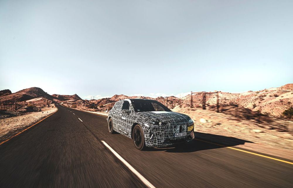 Imagini noi sub camuflaj cu viitorul BMW iNext: SUV-ul electric este testat în deșertul Kalahari - Poza 10