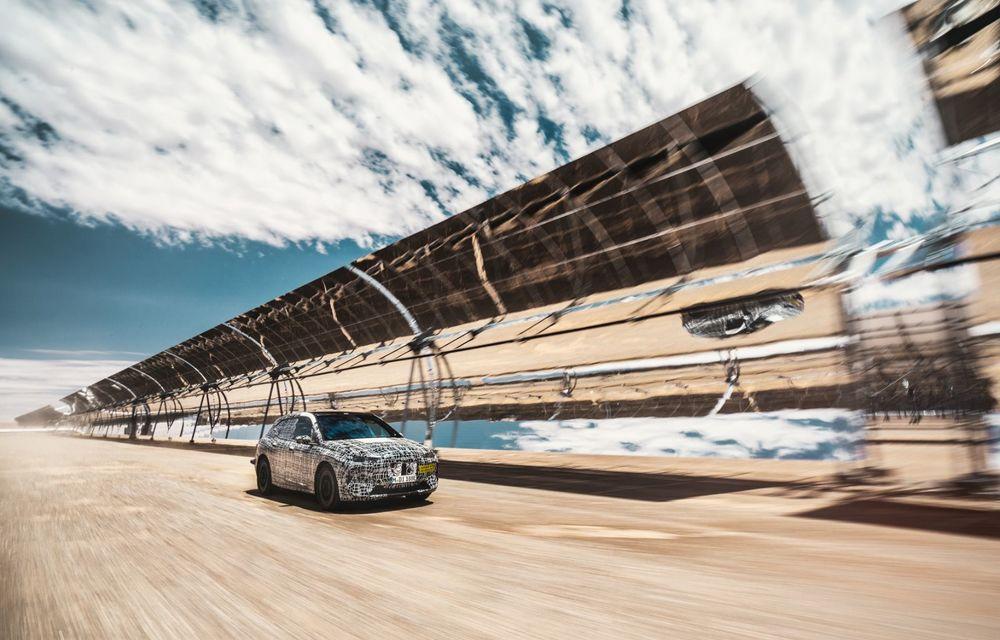 Imagini noi sub camuflaj cu viitorul BMW iNext: SUV-ul electric este testat în deșertul Kalahari - Poza 9