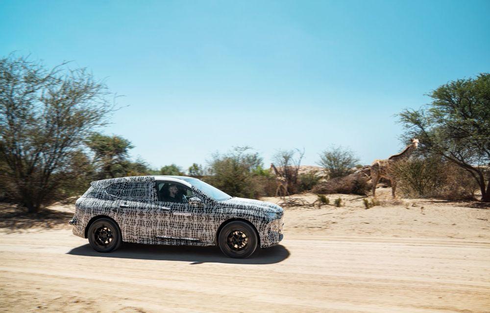 Imagini noi sub camuflaj cu viitorul BMW iNext: SUV-ul electric este testat în deșertul Kalahari - Poza 2