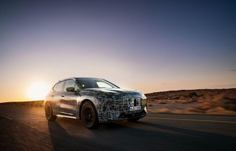 Imagini noi sub camuflaj cu viitorul BMW iNext: SUV-ul electric este testat în deșertul Kalahari - Poza 7