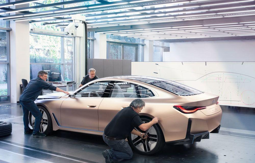 BMW a prezentat noul Concept i4: 530 CP și autonomie de până la 600 de kilometri. Versiunea de serie va fi produsă începând cu 2021 - Poza 51
