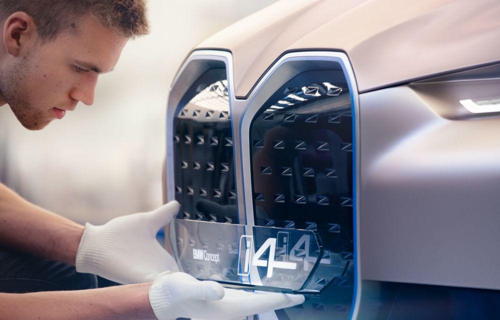 BMW a prezentat noul Concept i4: 530 CP și autonomie de până la 600 de kilometri. Versiunea de serie va fi produsă începând cu 2021 - Poza 48
