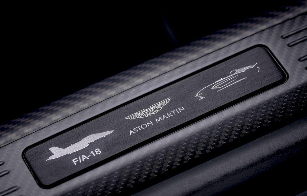 Aston Martin a prezentat ediția limitată V12 Speedster: modelul fără plafon și parbriz oferă 700 CP și va fi produs în doar 88 de unități - Poza 13