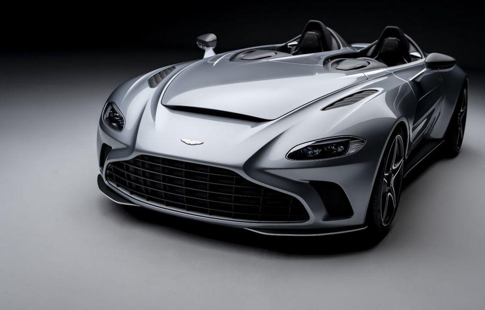 Aston Martin a prezentat ediția limitată V12 Speedster: modelul fără plafon și parbriz oferă 700 CP și va fi produs în doar 88 de unități - Poza 3