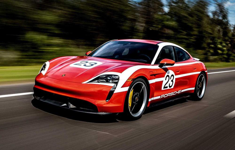 Campanie specială pentru promovarea noului Taycan: primul model electric Porsche a îmbrăcat uniforme celebre în motorsport - Poza 1