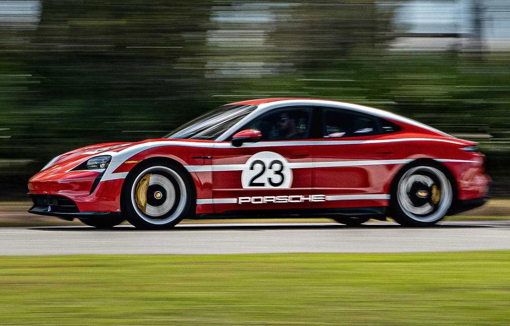 Campanie specială pentru promovarea noului Taycan: primul model electric Porsche a îmbrăcat uniforme celebre în motorsport - Poza 4