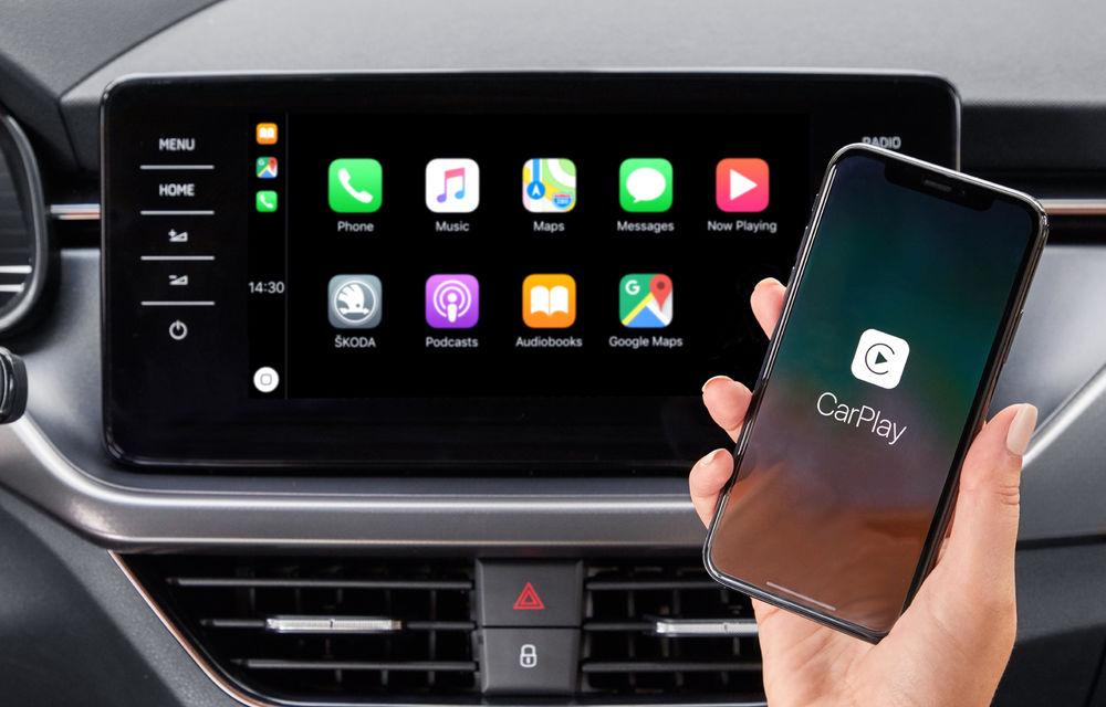 Studiu: șoferii care folosesc Android Auto și Apple CarPlay au timpi de reacție mai slabi decât cei care scriu SMS-uri sau au consumat alcool - Poza 1