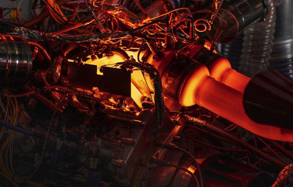 Primele informații despre noul motor pregătit de Aston Martin pentru viitorul Valhalla: hypercar-ul va avea un sistem de propulsie electrificat bazat pe un V6 de 3.0 litri - Poza 8