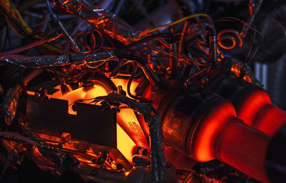 Primele informații despre noul motor pregătit de Aston Martin pentru viitorul Valhalla: hypercar-ul va avea un sistem de propulsie electrificat bazat pe un V6 de 3.0 litri - Poza 7