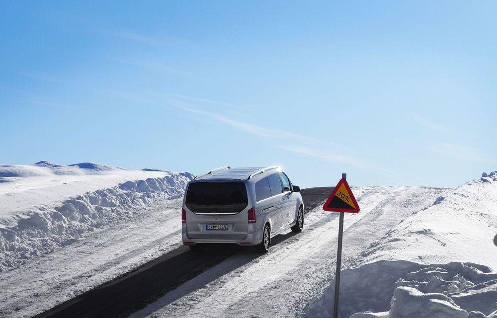 Mercedes-Benz EQV, testat în condiții extreme în Suedia: monovolumul electric cu autonomie de peste 400 de kilometri va fi lansat pe piață în a doua jumătate a anului - Poza 3