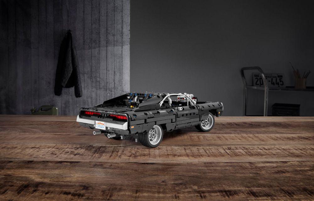 Exemplarul Dodge Charger folosit de Dominic Toretto în seria Fast and Furious are și o versiune Lego: pachetul conține 1.077 de piese și este disponibil pentru precomandă - Poza 4