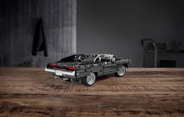 Exemplarul Dodge Charger folosit de Dominic Toretto în seria Fast and Furious are și o versiune Lego: pachetul conține 1.077 de piese și este disponibil pentru precomandă - Poza 4
