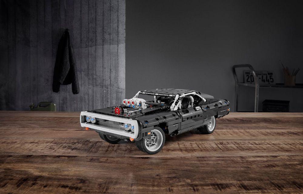 Exemplarul Dodge Charger folosit de Dominic Toretto în seria Fast and Furious are și o versiune Lego: pachetul conține 1.077 de piese și este disponibil pentru precomandă - Poza 3