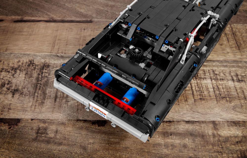 Exemplarul Dodge Charger folosit de Dominic Toretto în seria Fast and Furious are și o versiune Lego: pachetul conține 1.077 de piese și este disponibil pentru precomandă - Poza 8