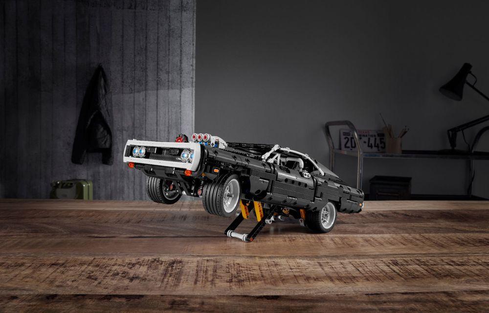 Exemplarul Dodge Charger folosit de Dominic Toretto în seria Fast and Furious are și o versiune Lego: pachetul conține 1.077 de piese și este disponibil pentru precomandă - Poza 2