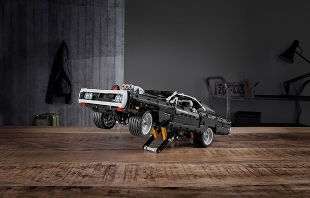 Exemplarul Dodge Charger folosit de Dominic Toretto în seria Fast and Furious are și o versiune Lego: pachetul conține 1.077 de piese și este disponibil pentru precomandă - Poza 2