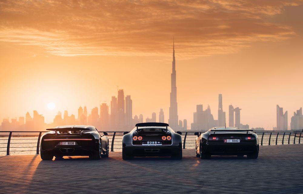 """Ședință foto cu """"Sfânta Treime"""" a gamei Bugatti: EB110, Veyron și Chiron au pozat în Dubai - Poza 2"""