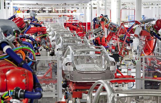Tesla renunță la sute de angajați temporari în Statele Unite: decizia, luată după întreruperea producției de mașini electrice - Poza 1