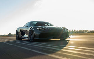 Ședință foto cu Koenigsegg Gemera: GT-ul cu peste 1.700 de cai putere a ieșit pe circuit