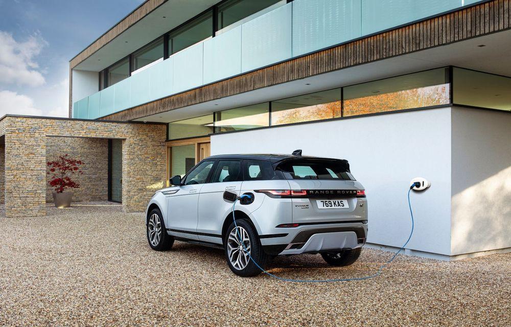 Range Rover Evoque și Land Rover Discovery Sport primesc versiuni plug-in hybrid: 309 CP și autonomie electrică de până la 66 de kilometri - Poza 6