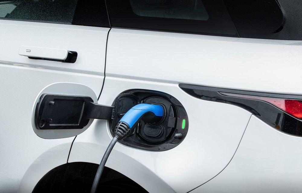 Range Rover Evoque și Land Rover Discovery Sport primesc versiuni plug-in hybrid: 309 CP și autonomie electrică de până la 66 de kilometri - Poza 13