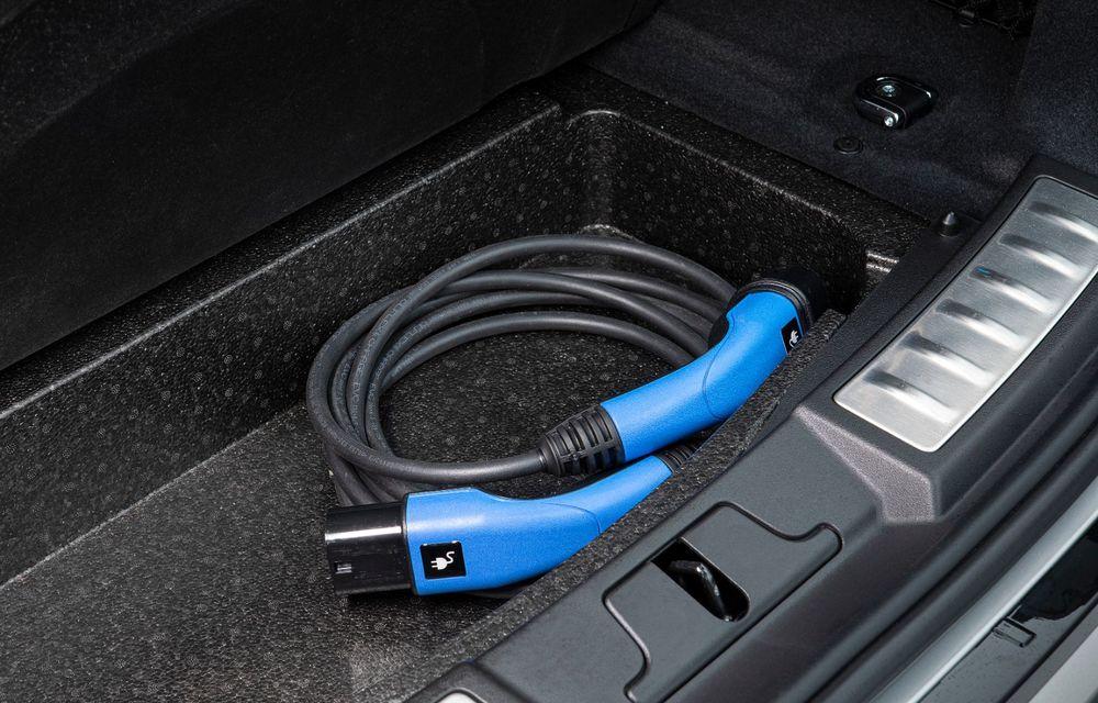 Range Rover Evoque și Land Rover Discovery Sport primesc versiuni plug-in hybrid: 309 CP și autonomie electrică de până la 66 de kilometri - Poza 18