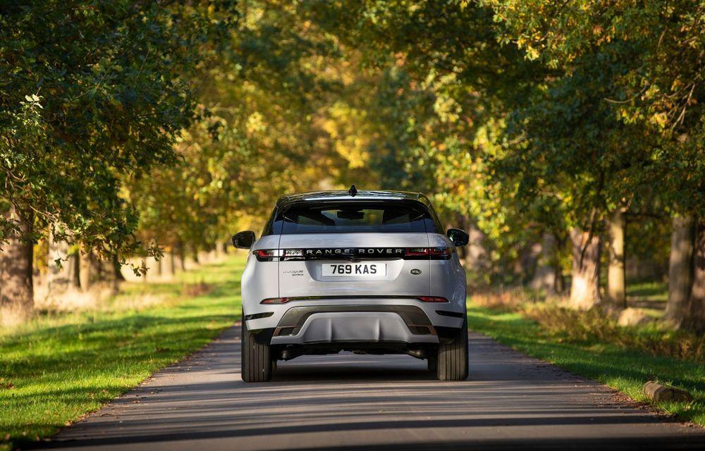 Range Rover Evoque și Land Rover Discovery Sport primesc versiuni plug-in hybrid: 309 CP și autonomie electrică de până la 66 de kilometri - Poza 4
