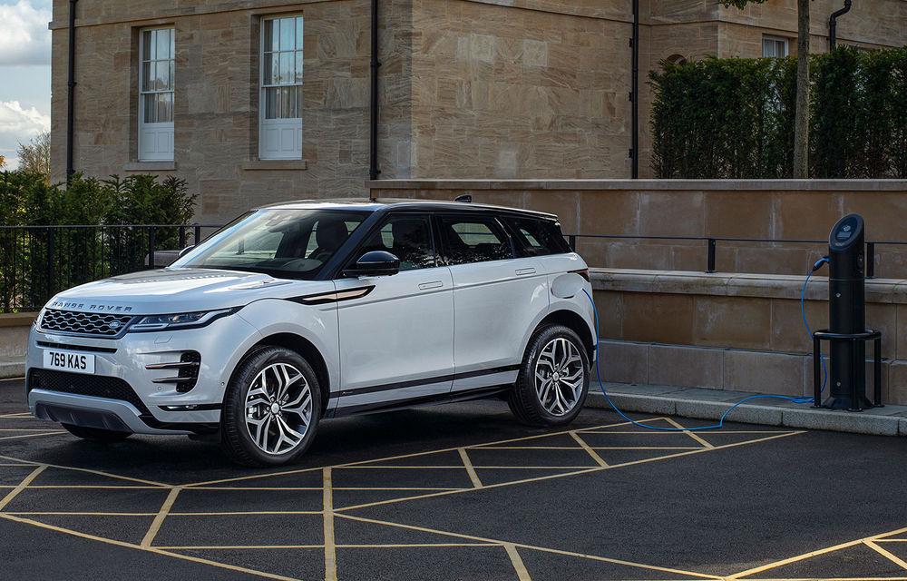 Range Rover Evoque și Land Rover Discovery Sport primesc versiuni plug-in hybrid: 309 CP și autonomie electrică de până la 66 de kilometri - Poza 1