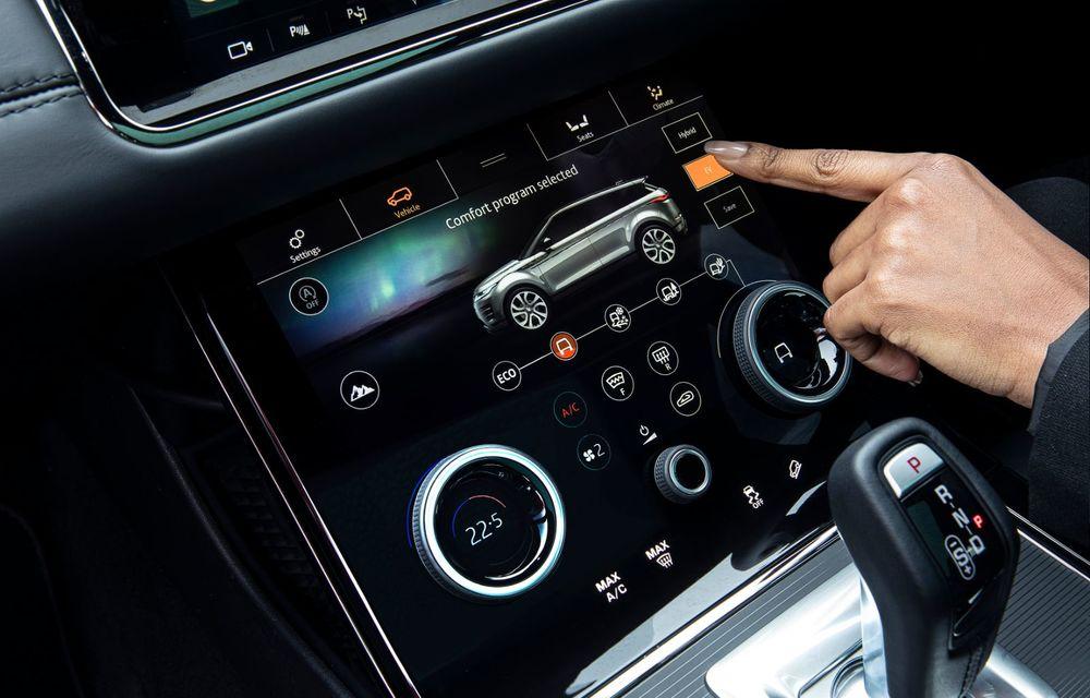 Range Rover Evoque și Land Rover Discovery Sport primesc versiuni plug-in hybrid: 309 CP și autonomie electrică de până la 66 de kilometri - Poza 16