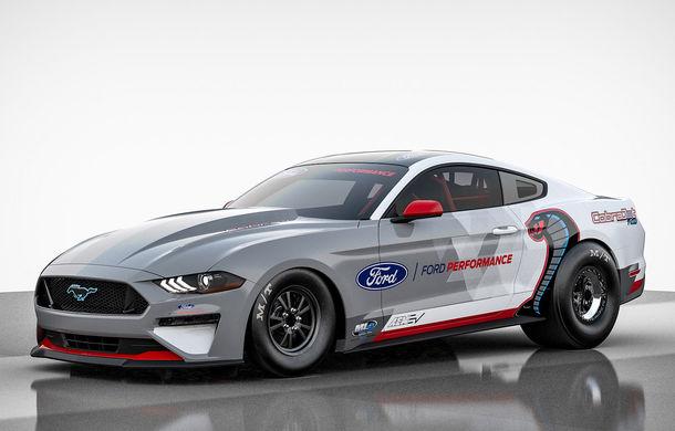 Ford prezintă Mustang Cobra Jet 1400: prototipul electric dedicat întrecerilor pe sfertul de milă va avea 1.400 CP și aproape 1.500 Nm - Poza 1