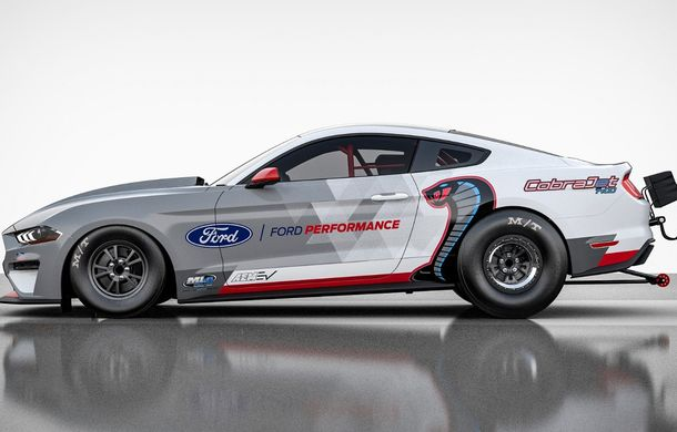 Ford prezintă Mustang Cobra Jet 1400: prototipul electric dedicat întrecerilor pe sfertul de milă va avea 1.400 CP și aproape 1.500 Nm - Poza 2
