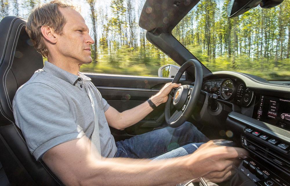 Porsche 911 poate fi comandat și în Europa cu o transmisie manuală: cutia cu șapte trepte este disponibilă pe versiunile Carrera S și Carrera 4S - Poza 4