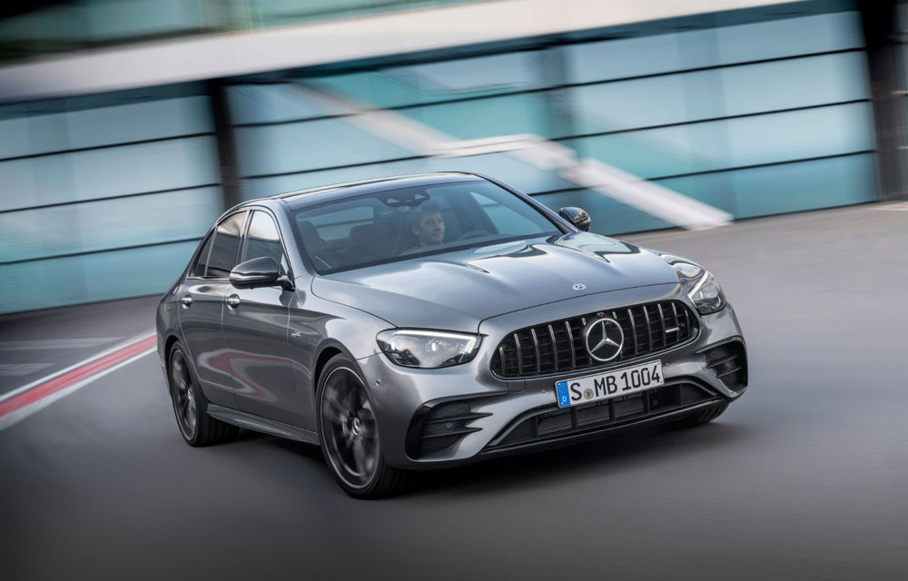 Video. Viitorul Mercedes-AMG E63 facelift, spionat pe Nurburgring: sedanul de performanță va fi echipat cu același motor V8 de 4.0 litri - Poza 1