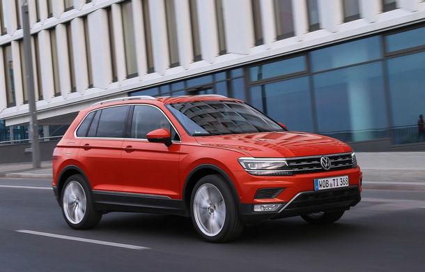 Video. Viitorul Volkswagen Tiguan R, spionat pe Nurburgring: SUV-ul de performanță va avea un motor de 2.0 litri cu 300 CP - Poza 1
