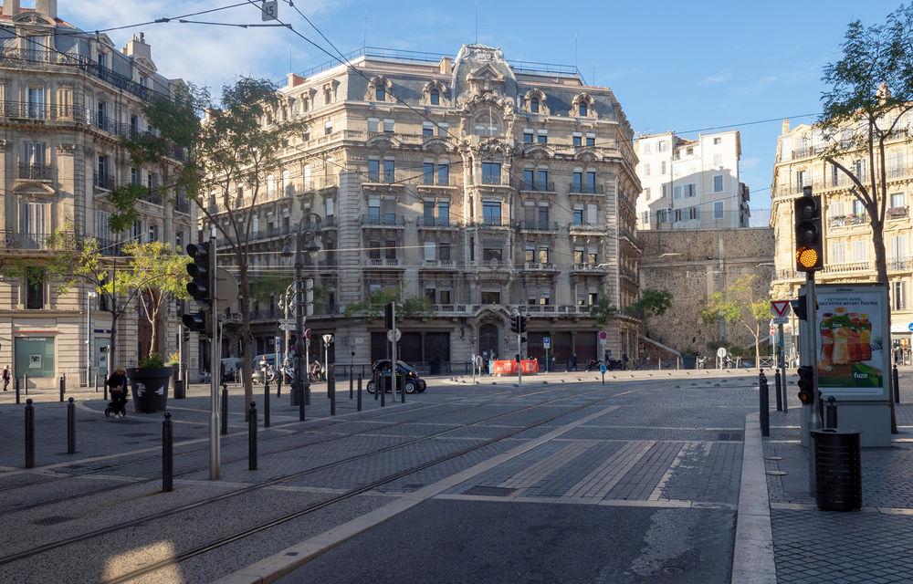 Înmatriculările de mașini au scăzut cu 89% în Franța în luna aprilie, la doar 21.000 de unități - Poza 1