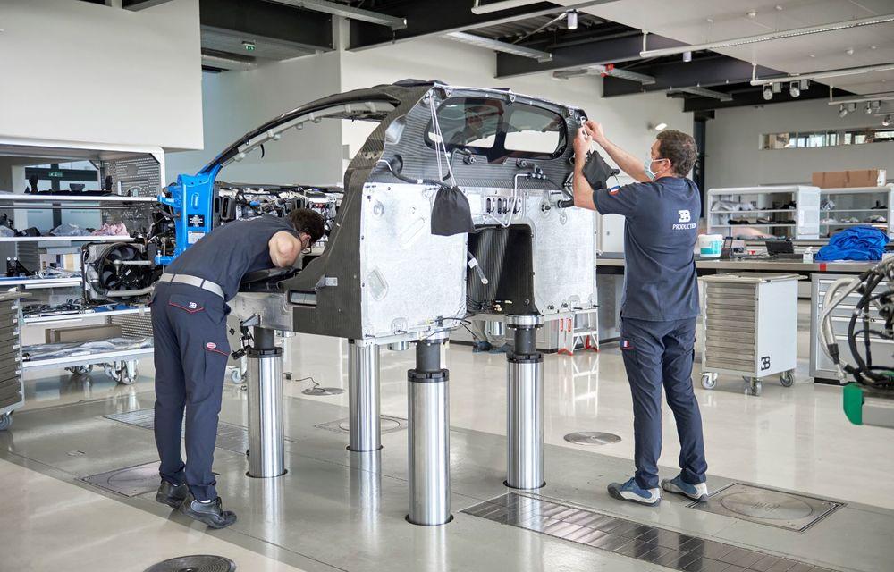 Bugatti a redeschis uzina din Molsheim: producătorul de hypercar-uri a pregătit o serie de măsuri speciale pentru protecția angajaților - Poza 3