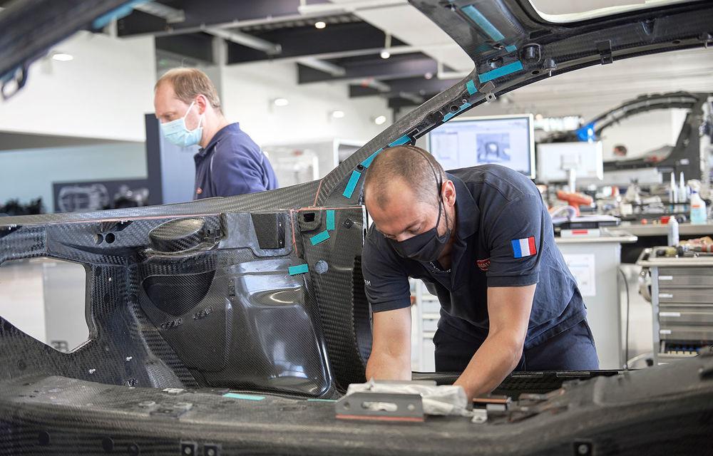 Bugatti a redeschis uzina din Molsheim: producătorul de hypercar-uri a pregătit o serie de măsuri speciale pentru protecția angajaților - Poza 1