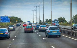 Înmatriculările de mașini noi au scăzut cu 97% în Marea Britanie în aprilie: declin de 99% pentru Dacia, cu doar 16 unități