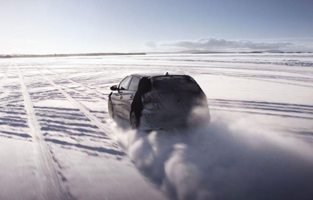 Video. Primele cadre oficiale cu viitorul Hyundai i20 N: Hot Hatch-ul camuflat a fost testat în zona de nord a Europei - Poza 4