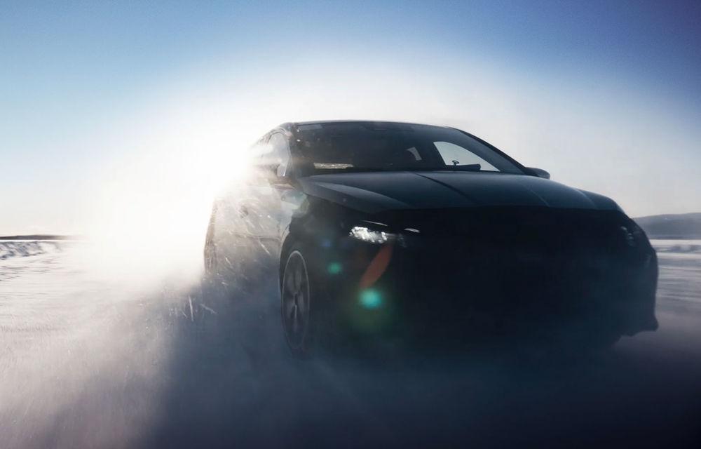 Video. Primele cadre oficiale cu viitorul Hyundai i20 N: Hot Hatch-ul camuflat a fost testat în zona de nord a Europei - Poza 2