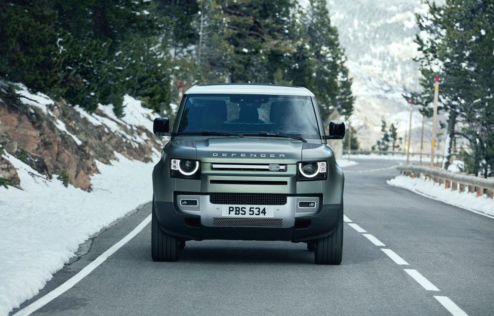 Land Rover pregătește o versiune de performanță pentru Defender: modelul producătorului britanic va miza pe un motor V8 - Poza 1