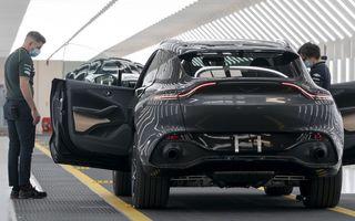 Aston Martin a repornit producția SUV-ului DBX: uzinele britanicilor vor fi redeschise gradual