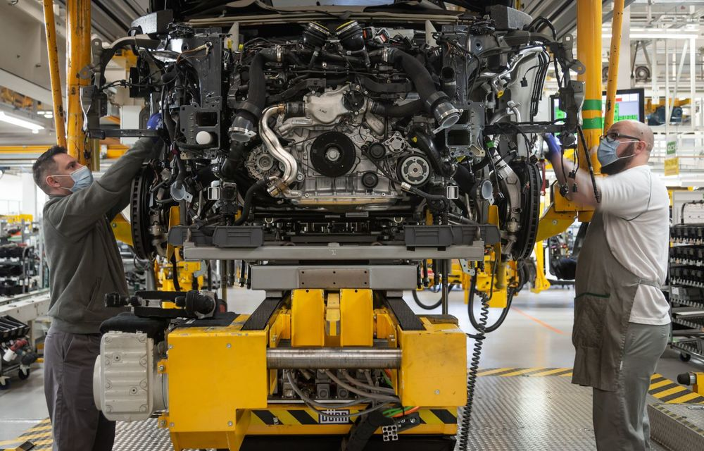 Bentley a reluat activitatea la uzina din Crewe: măsuri suplimentare pentru protejarea angajaților și capacitate de producție redusă la jumătate - Poza 2