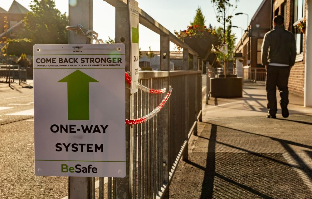 Bentley a reluat activitatea la uzina din Crewe: măsuri suplimentare pentru protejarea angajaților și capacitate de producție redusă la jumătate - Poza 8