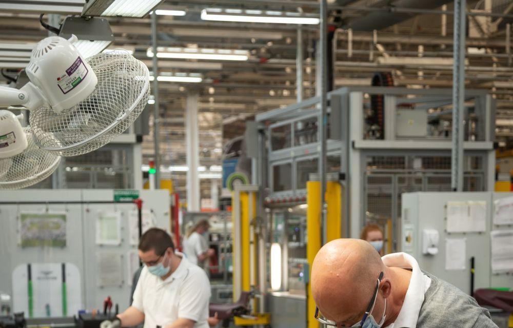 Bentley a reluat activitatea la uzina din Crewe: măsuri suplimentare pentru protejarea angajaților și capacitate de producție redusă la jumătate - Poza 6