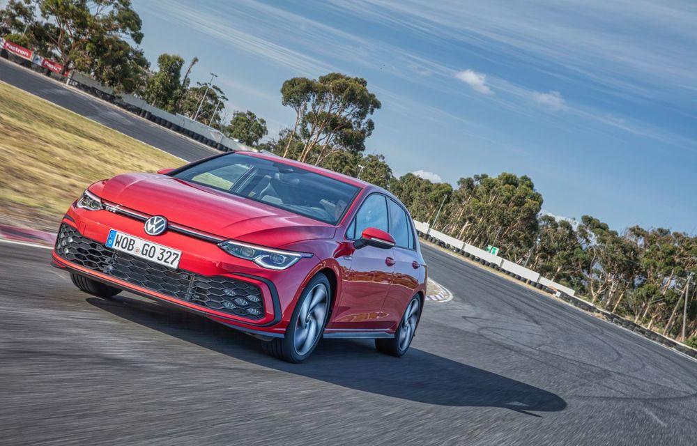 Noua generație Volkswagen Golf GTI ajunge în România în a doua jumătate a lunii septembrie: prețul de pornire pentru Hot Hatch-ul compact va fi de aproape 33.000 de euro - Poza 4