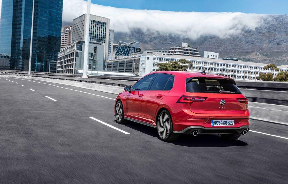 Noua generație Volkswagen Golf GTI ajunge în România în a doua jumătate a lunii septembrie: prețul de pornire pentru Hot Hatch-ul compact va fi de aproape 33.000 de euro - Poza 9