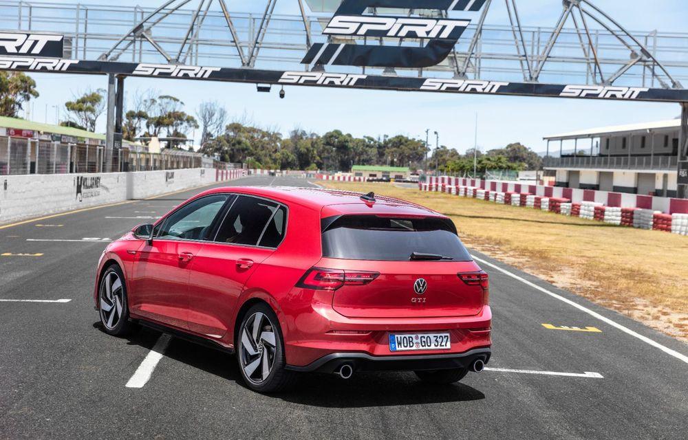 Noua generație Volkswagen Golf GTI ajunge în România în a doua jumătate a lunii septembrie: prețul de pornire pentru Hot Hatch-ul compact va fi de aproape 33.000 de euro - Poza 11